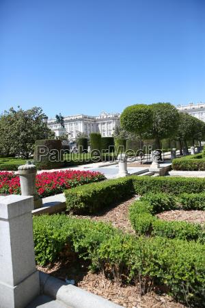 view of plaza de oriente y