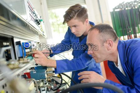 mechanical engineering apprentice