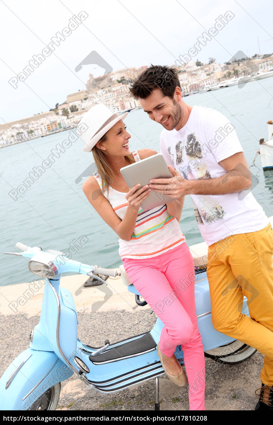 couple, of, tourists, websurfing, with, tablet, - 17810208
