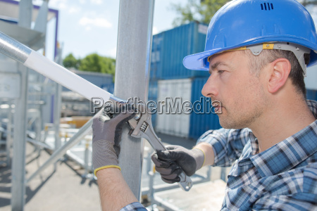 container worker