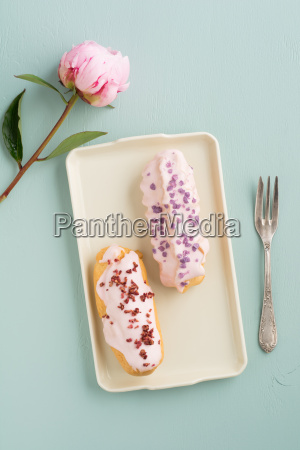 eclairs with icing