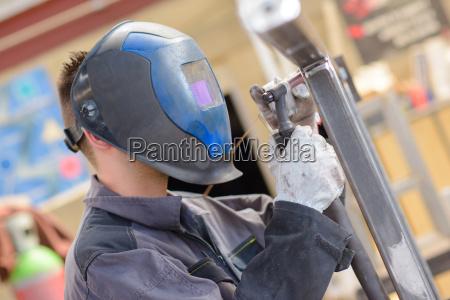 masculino adulto proteger guantes la boca