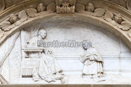 details of facade santa maria