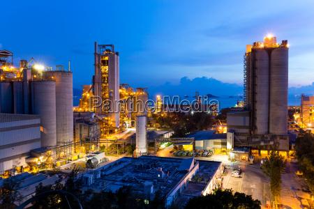 industria industriale macchinario verde notte tramonto