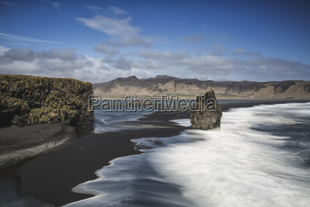 iceland vik dyrholaey peninsula black beach