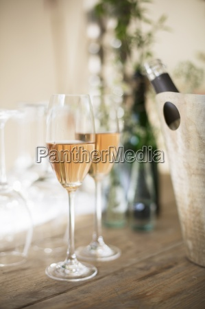 an aperitif made with rose champagne