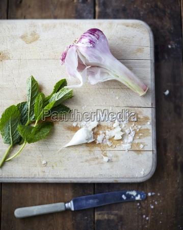 garlic sea salt and mint leaves