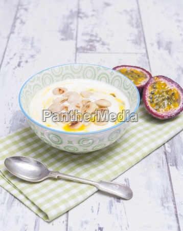 yoghurt with passion fruit and almonds