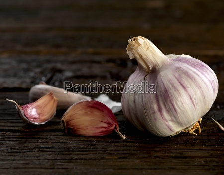 a bulb of garlic and some