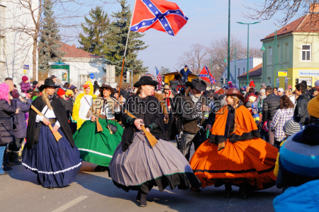 group in old southern costumes at