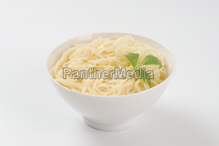 bowl of cooked noodles