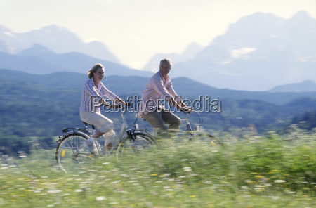 couple riding bikes in germany