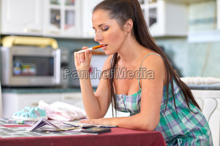 pregnant woman with money family