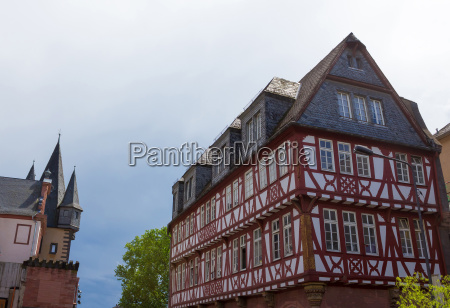 typical architecture in frankfurt am main