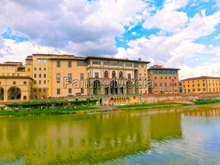 arno river in florence italy