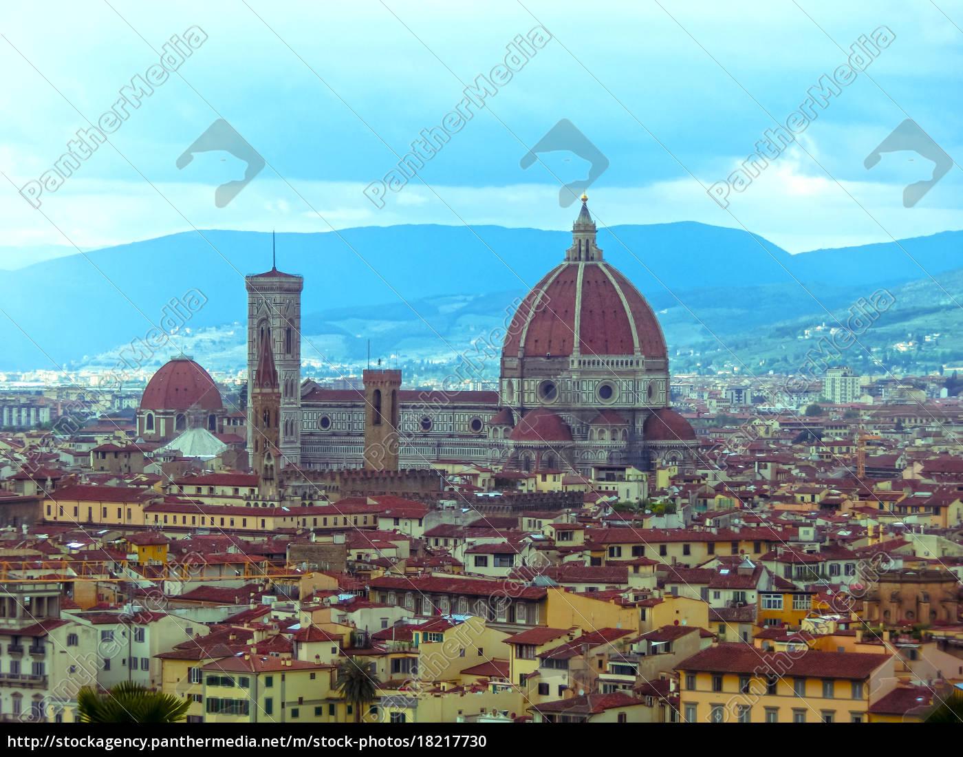 view, of, the, cathedral, santa, maria - 18217730