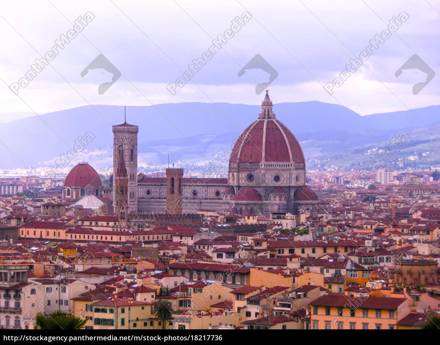 view, of, the, cathedral, santa, maria - 18217736