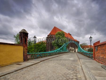 wroclaw sandkirche and tumski bridge