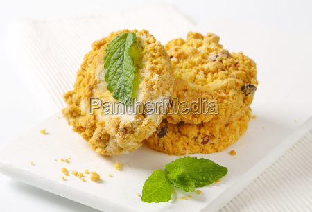 almond crumble cookies