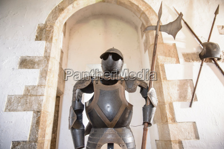 suit of armour in bolton castle