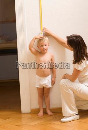 children at the pediatrician