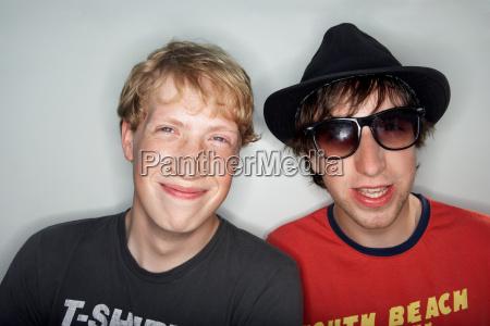 risata sorrisi amicizia cappello orizzontale in