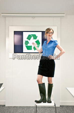 woman presenting green concepts