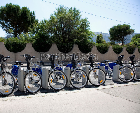 hire bikes in docking station france