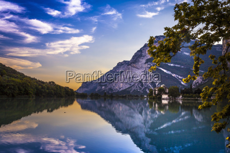 view of lake and mountains trentino