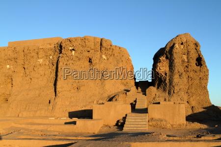 the deffufa clay castle of kerma