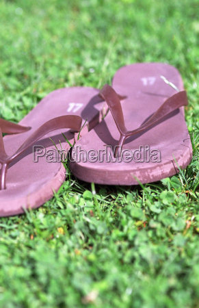 pink flip flop rubber sandals