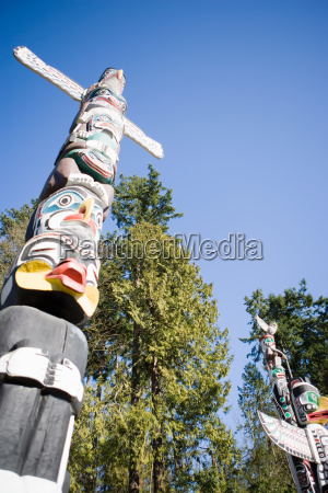 totem poles in stanley park vancouver