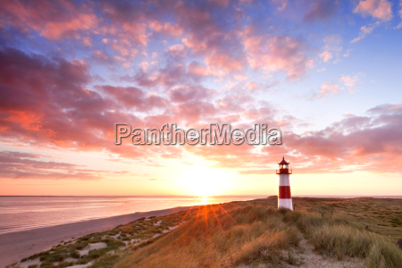 lighthouse sylt to the sunrise