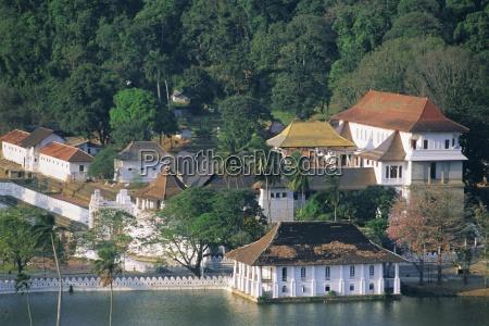 the dalada maligawa or temple of