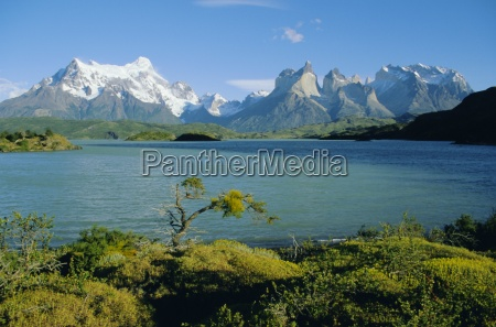 lake pehoe torres del paine national