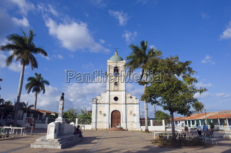 vinales church in the town square
