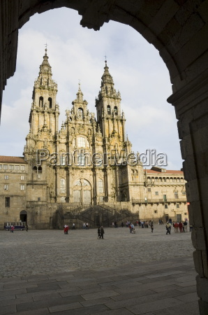 santiago cathedral on the plaza do