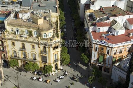 the famous el giraldillo restaurant plaza