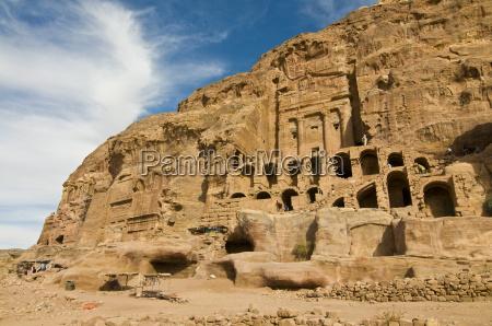 las tumbas reales de petrapatrimonio de