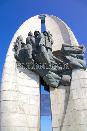 revolutionary act monument monument of the