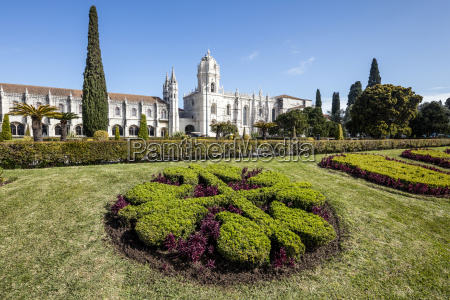 jeronimos monastery with late gothic architecture
