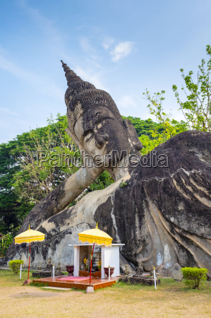 religious statues at buddha park xieng