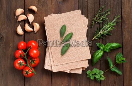 whole wheat lasagna sheets tomatoes garlic