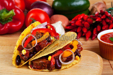 tortilla bowls stuffed with meat sauce