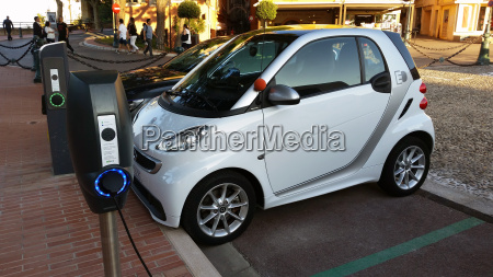 smart fortwo electric car charging on