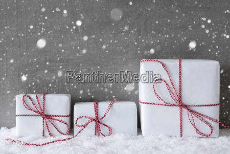 three, white, gifts, with, snowflakes, , copy - 19122015