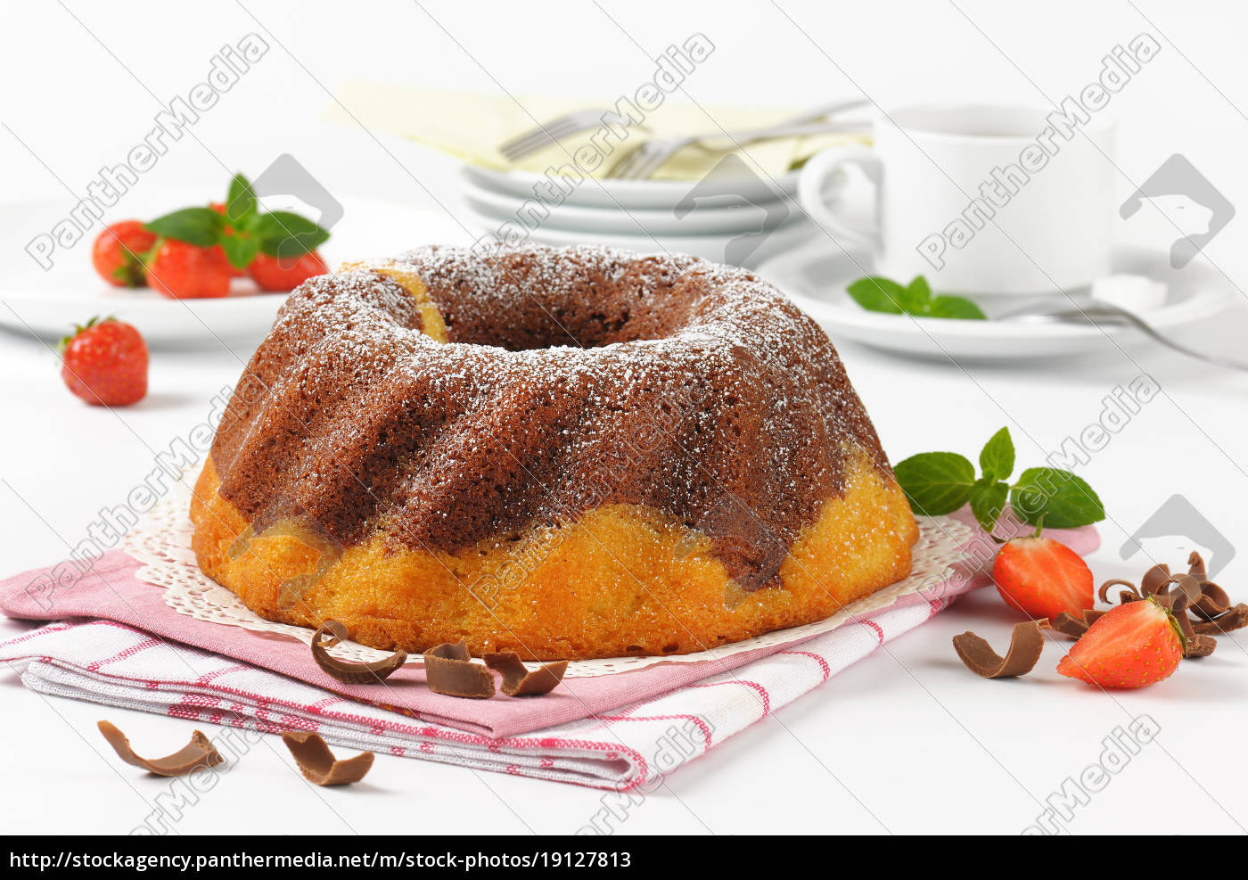marble, bundt, cake, and, coffee - 19127813
