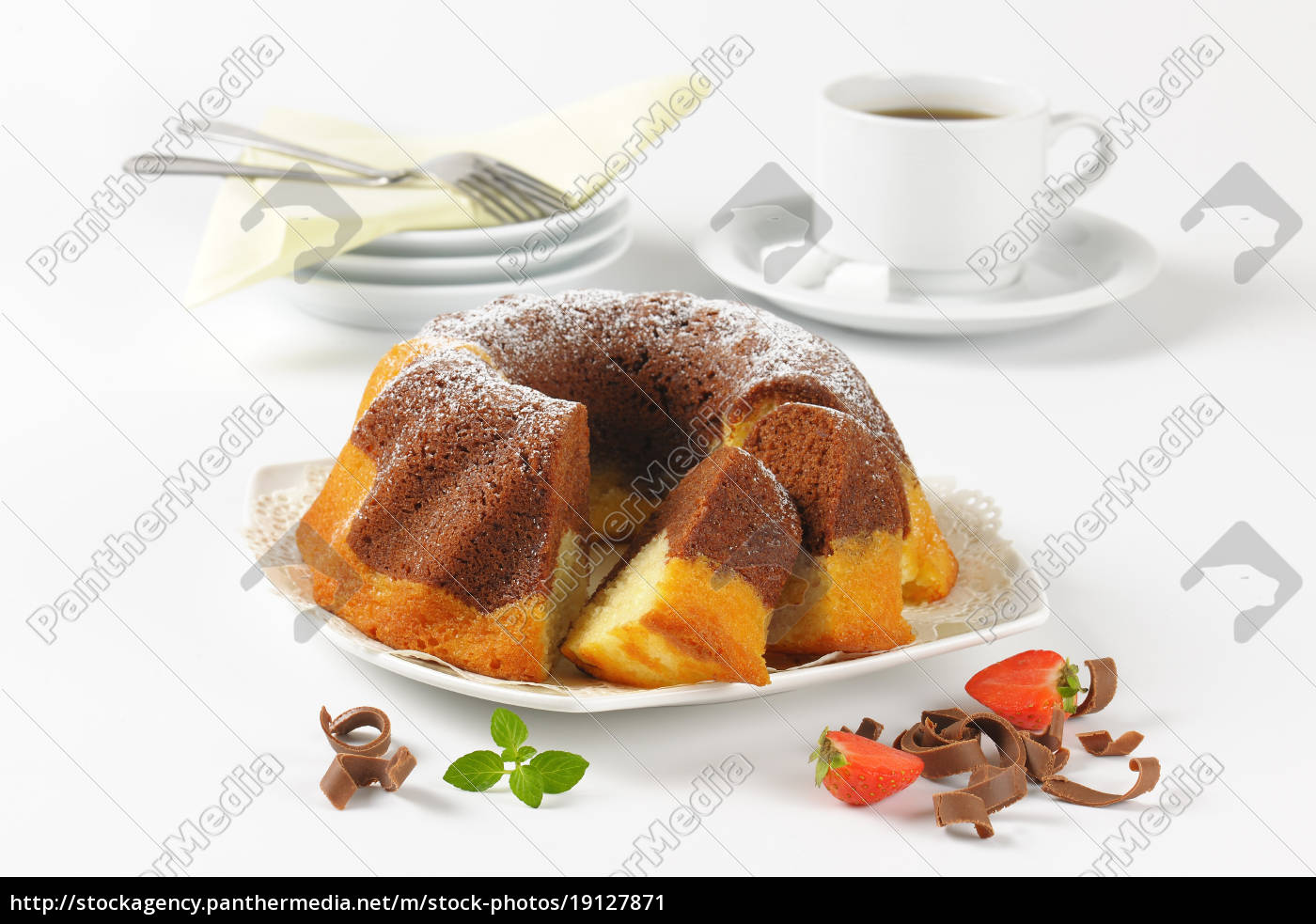 marble, bundt, cake, and, coffee - 19127871