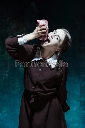 bloody, halloween, theme:, crazy, girl, with - 19134423