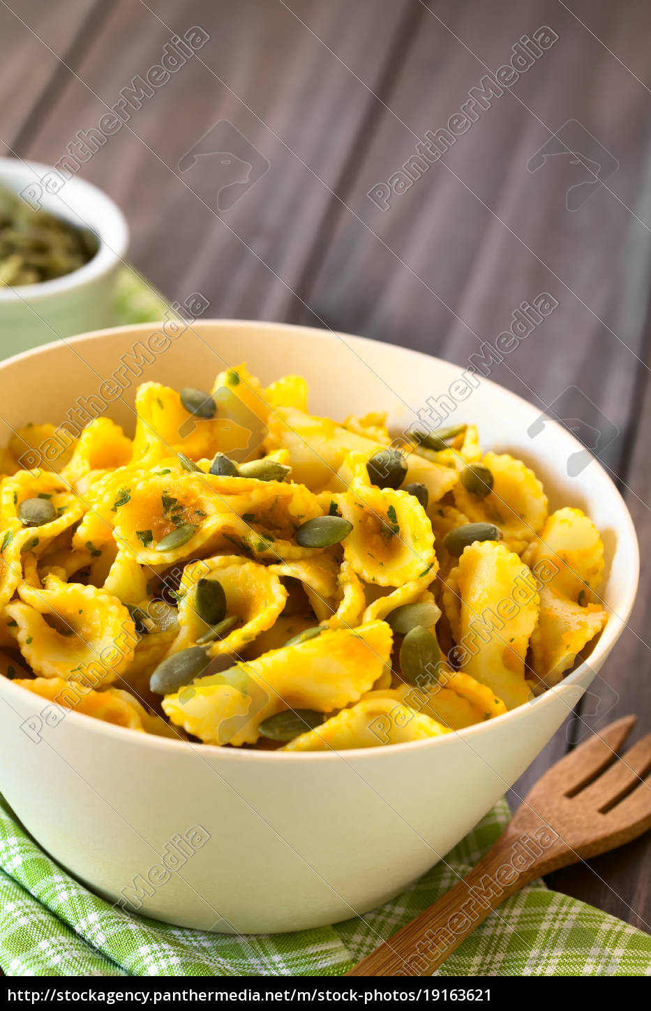 pasta, with, pumpkin, and, parsley, sauce - 19163621